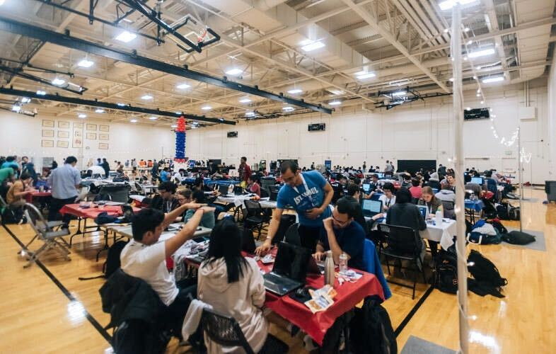 The Co-Rec full of hackers during BoilerMake IV
